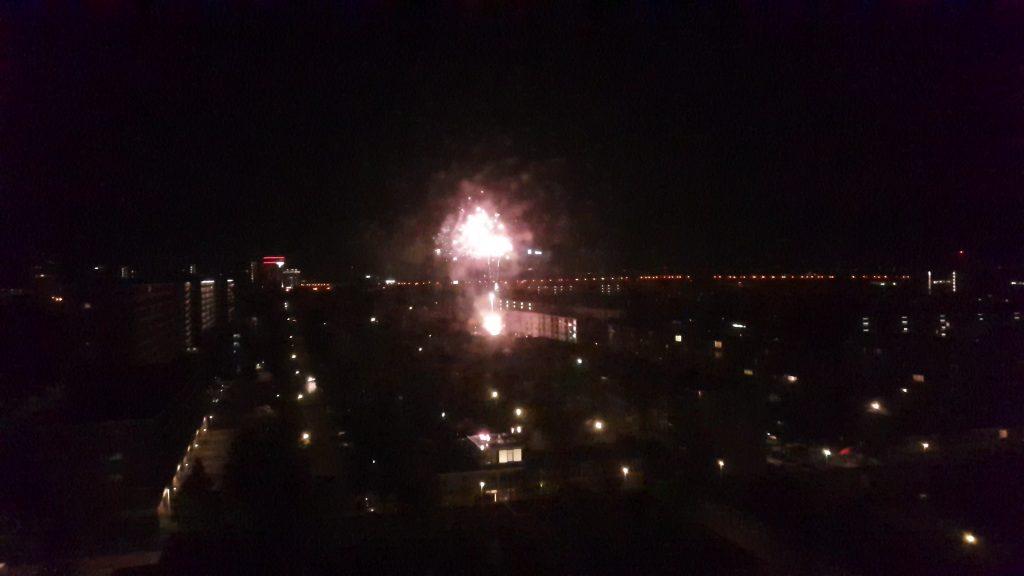 Vuurwerk knalt in de nacht van zondag op maandag